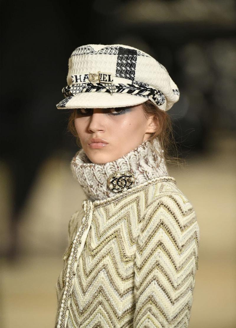 Модная белая шапка - 6