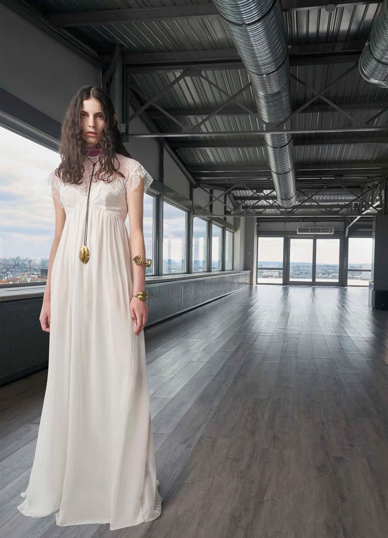 Мода 2019 года - фото в женской одежде 11