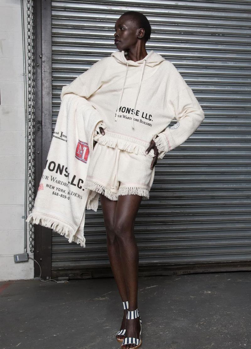 Мода 2019 года - фото в женской одежде 18
