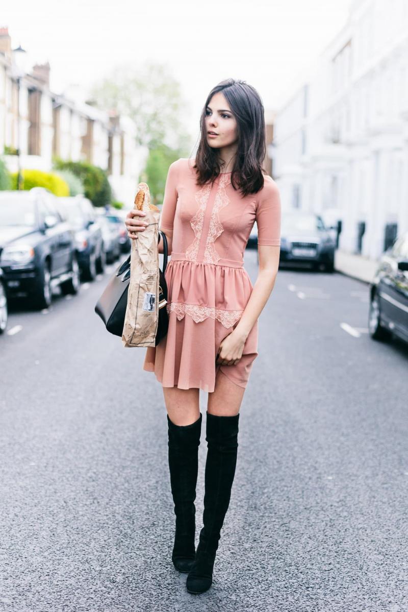 Платья и сапоги - фото 2-1