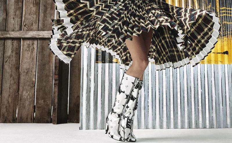 Модные сапоги 2022 - фото 19