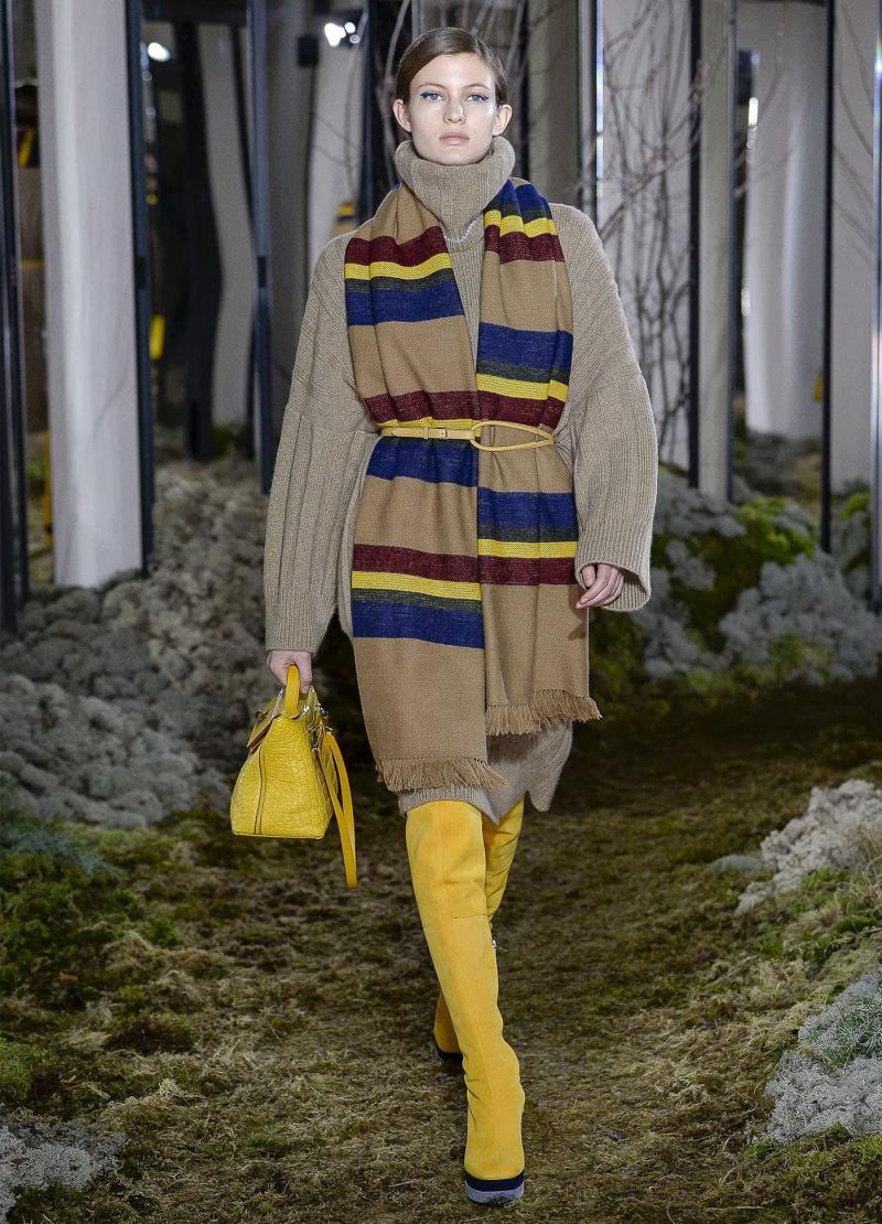 Модные желтые сапоги - фото 1