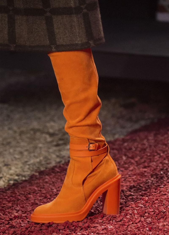 Модные оранжевые сапоги - фото 3