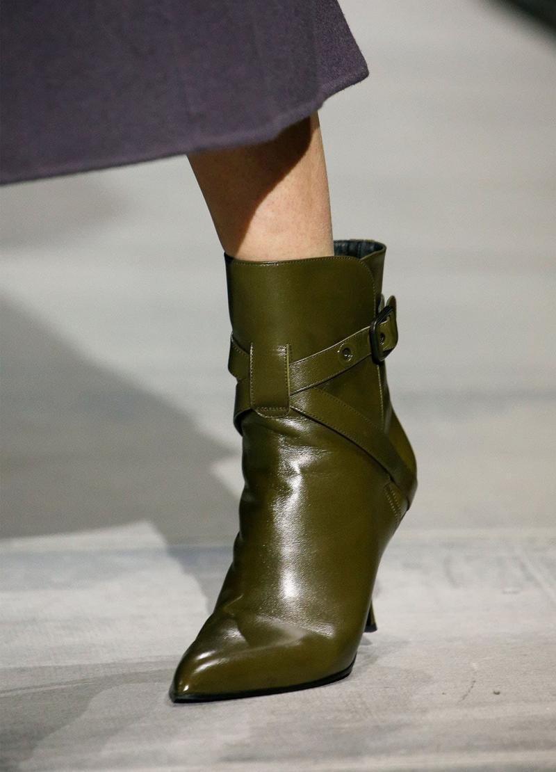 Модные темно-зеленые сапоги - фото 4