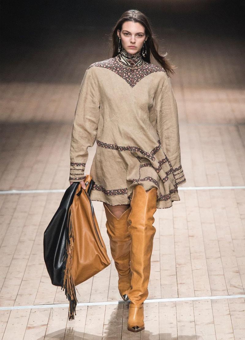 Модные бежевые сапоги - фото 5